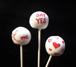 Need to get a special message to someone? TNS cake pops are the way to do it! #valentine #cakepops #personalized #specialmessage #sendinglove #hearts #love #sayyes #anythingyoucanthinkof #anycolor #whitechocolate #edible #words #anyflavor #triplechocolate #redvelvet #birthdaycake #germanchocolate #vanillaconfetti #spice #andmore #chicago #wecanship #glutenfreeoptions #sharelove #? #TNSoriginalrecipe #8daysaway